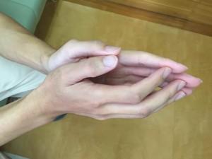 脳卒中手指ファシ001