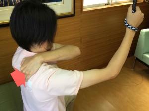 スリング肩痛030