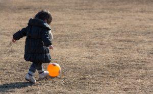 ボール遊び 子供